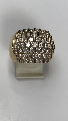 Wide gold ring with 51 brilliant cut diamonds. 2.50 ct in total. Ring size 17 3/4 (55)