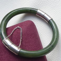 Chinese cloudy green Jade and metal hinged bangle bracelet, vintage 1960's, No Reserve