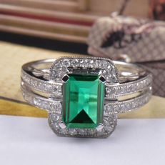 1.85 Ct. Emerald & Diamond Ring. Ring Size US7, 14Kt (585) White Gold ***NO RESERVE***