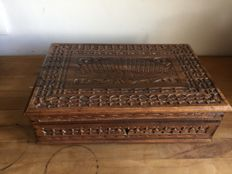 Beautiful wooden oriental letters box - 20th century - Indonesia