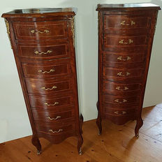 Two French walnut high chests of drawers, France, 1930/40s