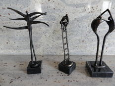 3 bronze sculptures on marble pedestals, Corry Ammerlaan