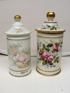 Limoges - Two beautifully decorated lidded pots