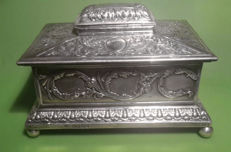 Silver Jewellery box - Walter & John Barnard - London - 1888