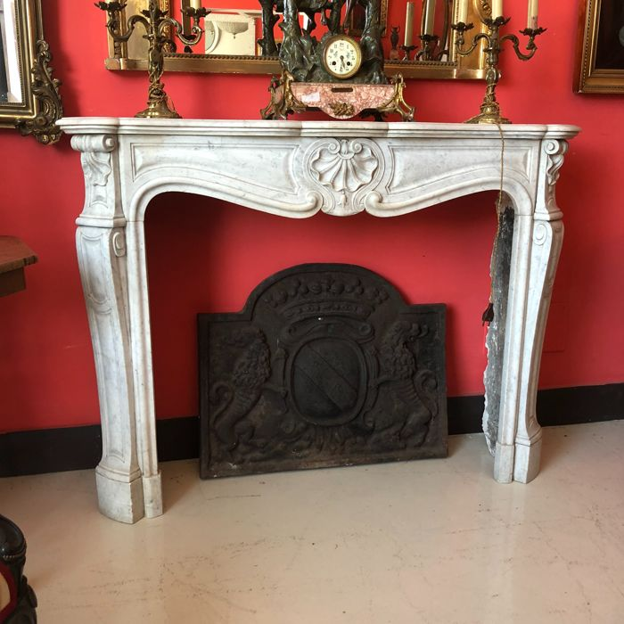 Fireplace 'Trois glandes' - white Carrara marble - Louis XV - circa 1835