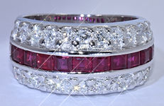 3.16 Ct Rubies with Diamonds, band ring - NO reserve price!