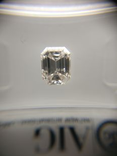 1.07 ct Emerald cut diamond G SI1