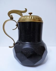 A Rare 17th Century Gilt-Mounted Serpentine Tankard. - Germany