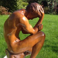 "Solid wooden sculpture ""the thinker"" - signed"