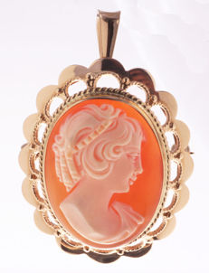 14 gold pendant / brooch with hand-carved cameo – 35 x 29 mm – 7.61 g