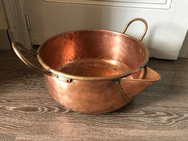 A large copper saucepan or marmalade pan with spout - diameter 38 cm - Netherlands, about 1880-1900