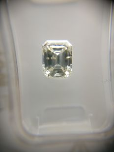 1.01 ct Emerald cut diamond F SI2