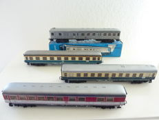 Märklin HO - 4054/4081/4111/4112 - 3 passenger carriages and 1 short distance carriage with driver's cab of the DB