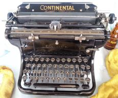 Typewriter of the Continental brand.  In working condition. Beautiful Year 1938