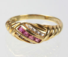Ruby - brilliant - ring, 585 gold - ring size 57