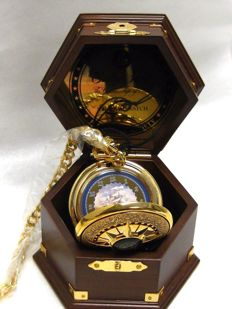 A Franklin Mint Cutty Sark Golden age of Sail nautical pocket watch.