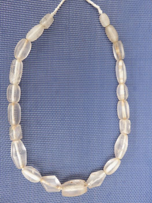 Rock-crystal bead necklace with cut beads - India - circa 1900
