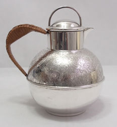 Fine Quality Silver Plated Coffee Pot With Rattan Handle & Removable Strainer Top - Baker Brothers, England Early 20th Century