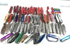 Lot of 62 multifunction knives, of which 6 Victorinox