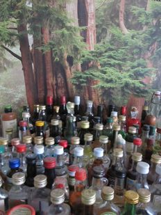 collection of 128 vintage liquer miniaturebottles period 1950- 2000