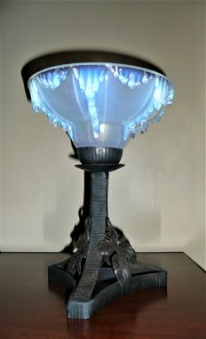 Ezan - Art Deco lamp in wrought iron and opalescent glass