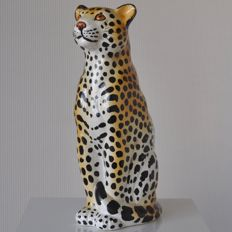 Vintage Italian ceramic Cheetah statue, from the 70s.