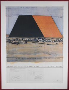 Javacheff Christo (1935) - Abu Dhabi Mastaba (Project for United Arab Emirates)