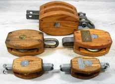 Assortment of 5 ship pulleys metal/wood