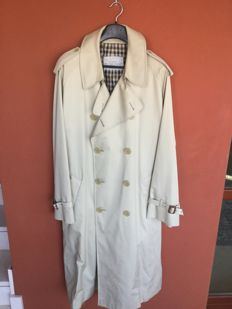 Aquascutum of London for Galtrucco, Via Montenapoleone - Aqua 5