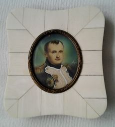Miniature portrait Napoleon - 20th century - Italy Signed A.Pion