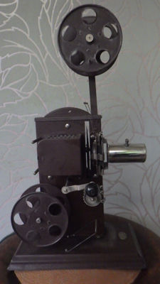Bing metal projector - 1915 - Nurnberg Germany
