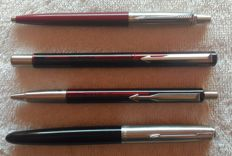 4 Pens: Parker 21 black fountain pen; 2 Parker Vector I IN Bordo and Parker Jotter TI red - Vintage