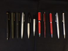 Lot with 11 Vintage Pens
