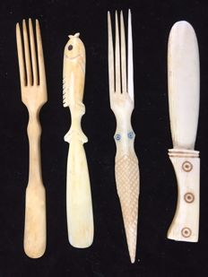 Butter knives, porkers and cocktail sticks, ivory kitchenware items with monogram L.G. and certificates - Congo