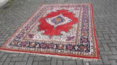 Beautiful, hand-knotted, Persian Kashan carpet, 300 x 243 cm. Act now, no reserve price