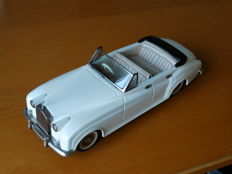 Bandai, Japan - length approximately 30 cm - Tin Rolls-Royce Silver Cloud Convertible with friction motor, 1960s