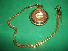Franklin Mint - The Alaska Chilkat Bald Eagle Preserve Pocketwatch with chain - 24 Karaat verguld - Zeer goede en werkende staat.