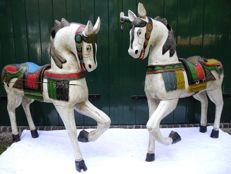 A pair of large sized polychrome painted wooden horses - Carouse l- 20th century