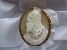 Gold-plated antique cameo brooch with a male portrait, shell cameo.