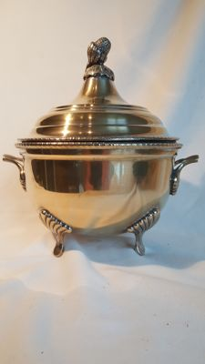 Silver plated bowl with lid (on copper)