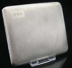 Silver Cigarette Case with Flat Concealed Opening Button - W T Toghill & Co - Birmingham - 1930