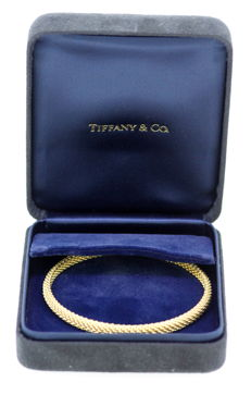Tiffany & Co - Vintage 18K Yellow Gold Ladies Bangle, Circa. 2000 - Diameter x Width : 7 x 0.55 cm
