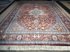 Mega large China Isfahan! Dimensions 460 x 330 cm! Very valuable! Investment! Oriental carpet, hand-knotted