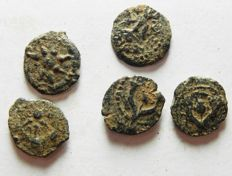 Ancient Orient - Judaean. Lot 5 Bronze Prutot coins. Mixed. 100 B.C - 100 A.D