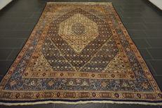 Persian carpet Moud Mut pattern made in Iran 220 x 330 cm