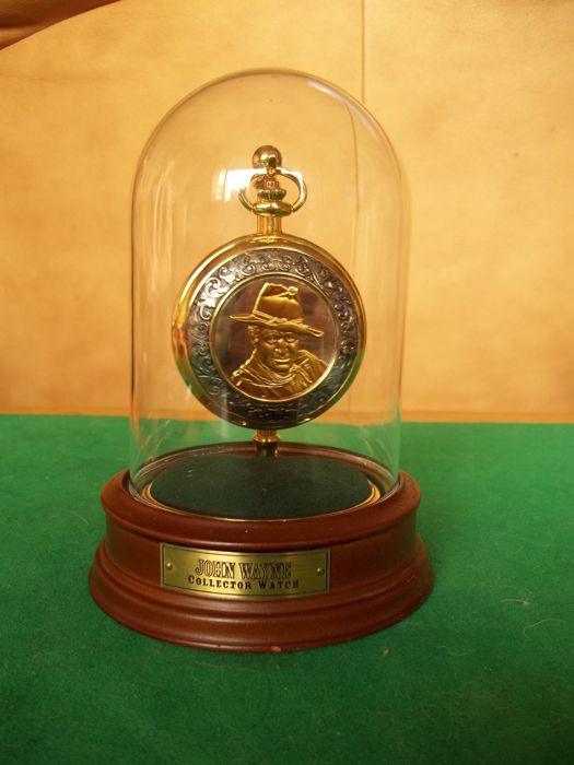 Franklin Mint John Wayne pocket watch with chain - 24 carat gold plated with the portrait of John Wayne - Rare