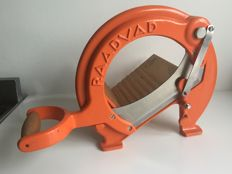 Raadvad - near mint orange bread slicer / cutter, model no. 294