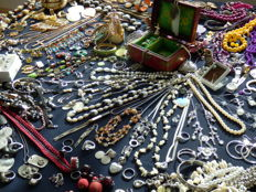 Large collection of decorative jewellery - over 220 pieces