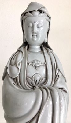 Blanc de Chine sculpture of Guanyin (39cm) - China - second half 20th century