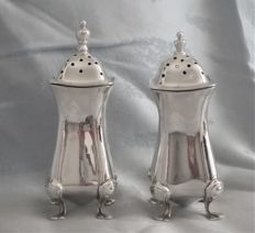 Pair of sterling silver salt & pepper pots, Walker & Hall, Birmingham 1925/1926